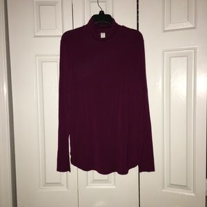 Old navy maroon turtleneck long sleeve shirt